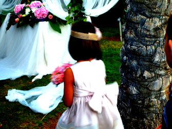 La ilusión se mantiene intacta en una comunión civil, igual que sucede en una boda civil