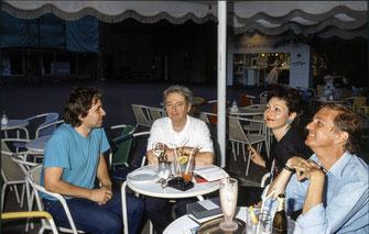 Charles Wilp (Mitte), Regisseurin Heike Vetter
