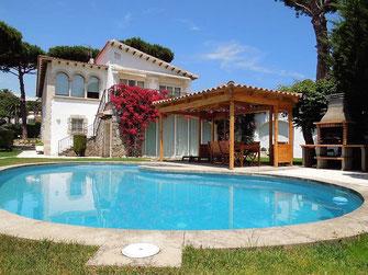 Смежный дом в аренду в приватной урбанизации Ла Гавине (La Gavina)