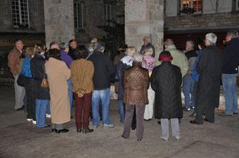 Sous la célèbre halle de Martel, début de la visite