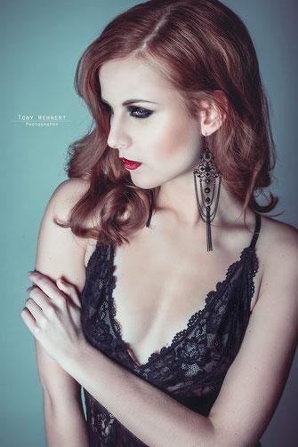 Beauty Portrait im Studio Fashion