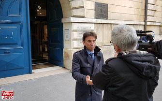 Pascal Thévenot à la sortie du Tribunal de Versailles.
