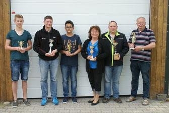 Foto: (von links) Niklas Kutsche, Thorsten Brämer, Louis Köth, Lisa Frank, Sven Schacht, Wolfgang Schacht