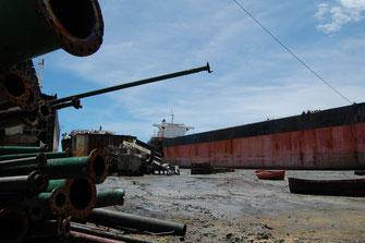 チッタゴン近郊船舶解体場