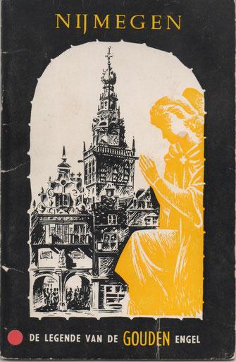 Op de Grote Markt voor de Kerkboog verkoopt Theo op 8 juni 2020 het zo gewenste boekje aan mij.