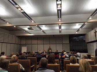 Volles Haus: Bürgermeister Sander begrüßt die engagierten Ehrenamtlichen
