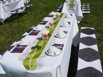 Deko einer Hochzeitstafel