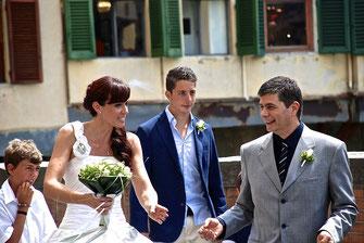 Hochzeitsfeier mit Familie und Freunden.