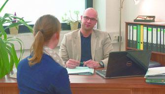 Rechtsanwalt Stefan Schulz setzt auf persönliche Beratung auf Augenhöhe Foto: df