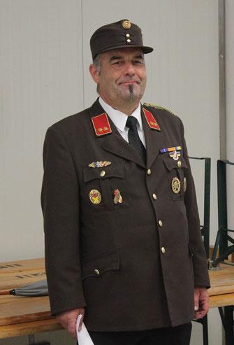 Feuerwehr-Kommandant Hermann Heger bei seiner feierlichen Festansprache.