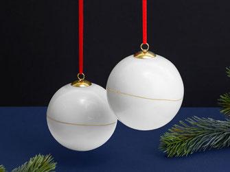 Porzellan Weihnachtskugel Gold Linie