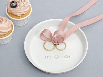 Ringteller Hochzeit personalisierbar Porzellanteller Eheringe