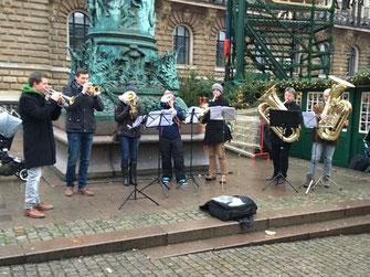 brass band wbi in hamburg auf dem weihnachtsmarkt