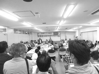 「労働者の尊厳をかけて闘い、勝利した」と報告するキム・ウニョンさん(6月16日)