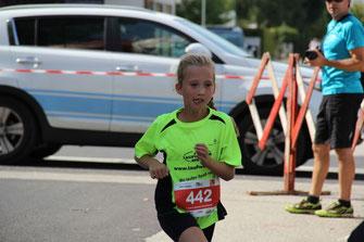 Anna Buchberger läuft aufs Stockerl
