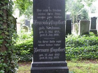 Das Grab der Eltern von Willi Engelert auf dem alten jüdischen Friedhof in Bettenhausen