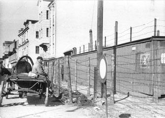 Absperrung des Ghettos Riga (Bundesarchiv)