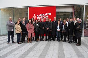 Die Direktoren Hans-Peter Wipplinger und Gottfried Gusenbauer begrüßten die Kremser Gemeinderäte mit Bgm. Dr. Reinhard Resch und Vizbgm. Mag. Wolfgang Derler in der Kunstmeile. Foto: Stadt Krems.