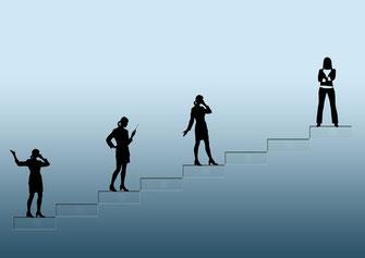 Menschen auf Treppe