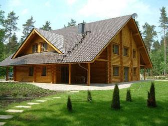 Rundbohlenhaus - Rundholzhaus - Großzügiges  Jagdhaus - Blockhäuser bauen - Wohnblockhäuser - Architektenhäuser - Hessen - Bauplanung - Blockholzhäuser - Massivholz - Biohäuser - nachhaltig - individuell