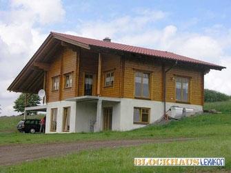 Blockhaus mit Thermowand als ökologisches Wohnhaus - Einfamilienhaus - Hanghaus - Hausbau - Holzbau - Wohnkeller -  Wohnblockhaus am Hang - Hanggrundstück