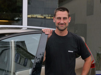 Autoservice Muttenz: Mechaniker Lukas Gillot