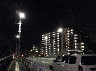 アンピールマンション前に4基が点灯