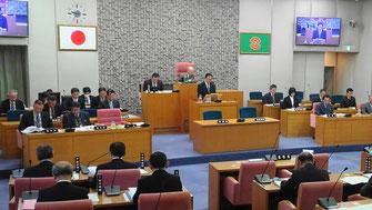 施政方針を読み上げる中村隆象市長(2月27日)