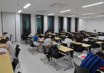 リーパスプラザこが交流館の自習室
