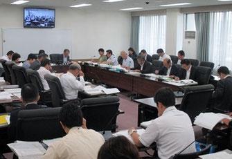 二日目の決算特別委員会