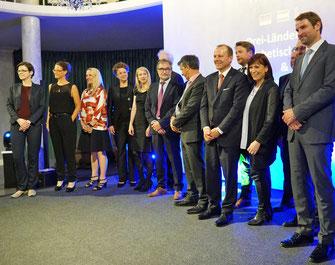 Die Preisträger und -verleiher beim Festakt in Bremen (Foto: URGO)