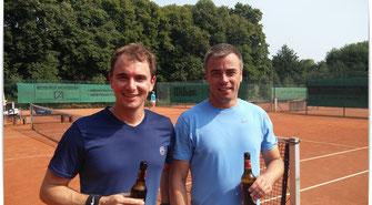 Clumeister B.Hensen (links) mit Finalgegner A. Erdmann