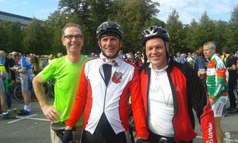 ....  im Ziel trifft man immer die nettesten Leute. Christoph, Walter und Dirk, gut gelaunt nach 110 km.