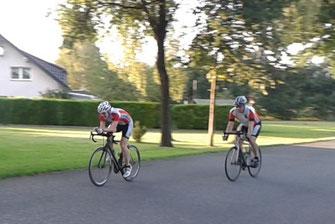 Philip Bergmann (31:28) und Jörg Wilde (32:39) beim Zieleinlauf