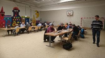 Die Jugendhalle Mellendorf voller Schach