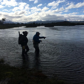 Fly fish Central Patagonia, Argentina, FFTC.club destination, El Encuentro Fly Fishing partnered Tecka Lodge, Fly fish freshwater destinations. Wild and Trophy Trout. Wade fishing.