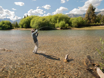 Fly fish Central Patagonia, Argentina, FFTC.club destination, El Encuentro Fly Fishing partnered Tres Valles Lodge, Fly fish freshwater destinations. Wild and Trophy Trout. Rio Pico area - Lake view