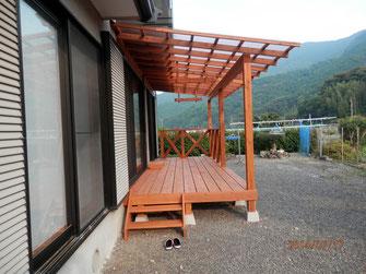 佐伯市、Y氏邸の屋根付きウッドデッキが完成しました。