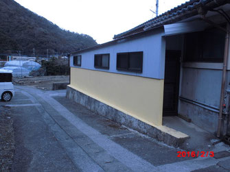 Y邸のテラスの全面改修。屋根:ガルバ鋼板の大波葺き、壁:ガルバ鋼板サイディング張り。