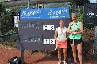 Borkum Open Damen 30 - Siegerin Melanie Suchhardt mit Ihrer Bonner zweitplatzierten Finalpartnerin Verena Hanneken nach dem Finale.