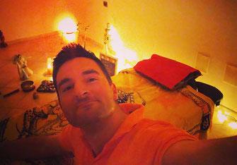 Nella foto: selfie post trattamento Reiki con, a seguire, pulizia energetica.