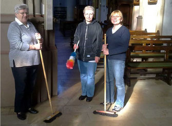 Der aktive Kirchendienst: (v.l.) Angela Olschewski, Helma Wilms und Doris Broz - Foto: HPD