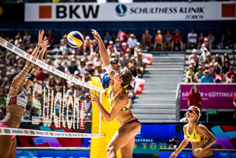 Beach- und Hallen-Volleyballspielerin des USC Münster
