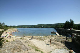 The lake of St-Ferréol in the Black Mountain (= la Montagne Noire)