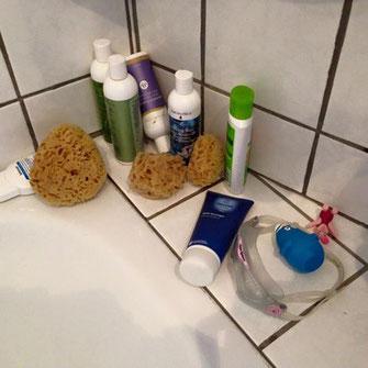 Ein Naturschwamm hilft Duschgel sparen