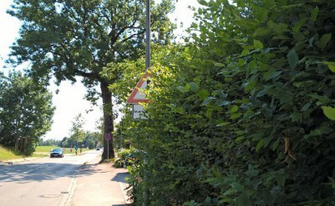 Von Warnwirkung kann beim bestehenden Schild keine Rede sein.  Foto: Feuerwehr