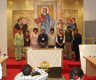 De izquierda a derecha: Josefina Espitia Sara Porras de Useche (QEPD), Lucy de Dussán, Padre Omar Cristancho, Astrid Castilla (qepd), Lucy Quexada, Luis Fernando Umaña, Ericina Mendoza.