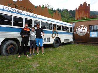 Artur und ich mit Roland Stauder (Mitte) nach dem Finish