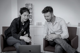 Job coach Manuel Haitz uses video feedback to work out ways to present yourself even better in your next job interview.