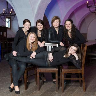 hinten links: Stefanie Krenn, Katrin Sterl, Christina Grindinger, Margit Plankl l vorne links: Andrea Willinger, Sonja Vogl